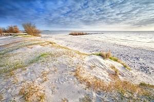 Sand_dunes_North_Sea_Netherlands_shutterstock_137307971