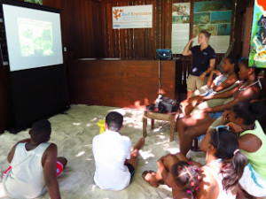 Jo Eames (WiseOceans) teaching the scouts about our marine life