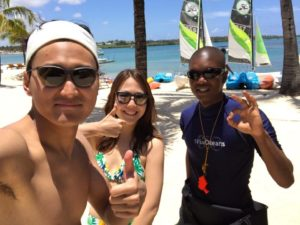 rick-with-guests-on-the-beach-mauritius-dec-2016
